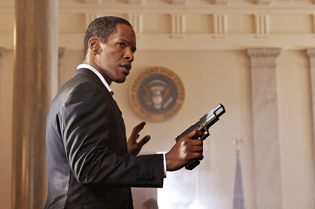 Jamie Foxx plays a gunslinging president in 'White House Down' (Photo: Columbia Pictures)