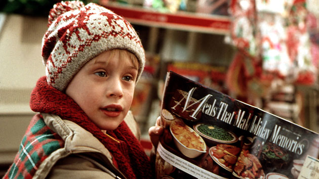 Macaulay Culkin in Home Alone - 1990 (20th Century Fox Film Corp./Everett Collection)