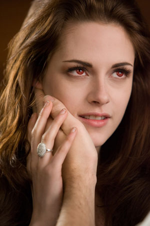 Kristen Stewart and her engagement ring in Summit's 'Breaking Dawn'