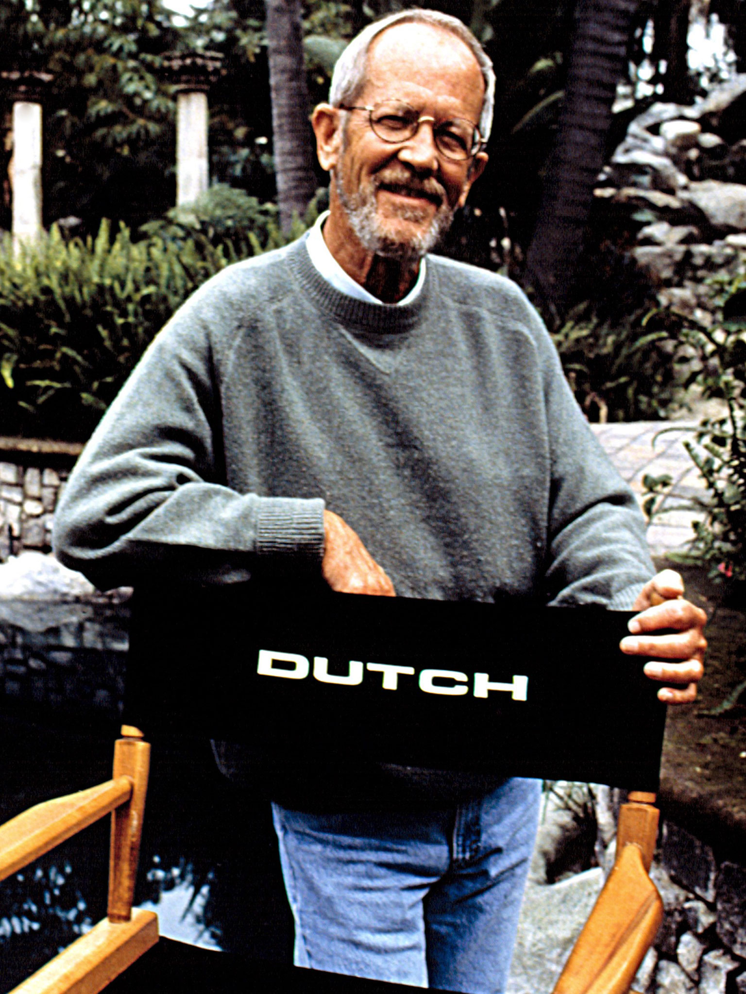 Author Elmore Leonard on the set of 'Get Shorty' in 1995 (Photo: Everett Collection)