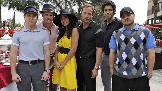 Emmanuelle Chriqui and the cast of 'Entourage' (Photo: HBO/Everett Collection)
