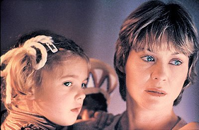Drew Barrymore, left, and Dee Wallace in 'E.T.' (Photo: Universal Pictures)