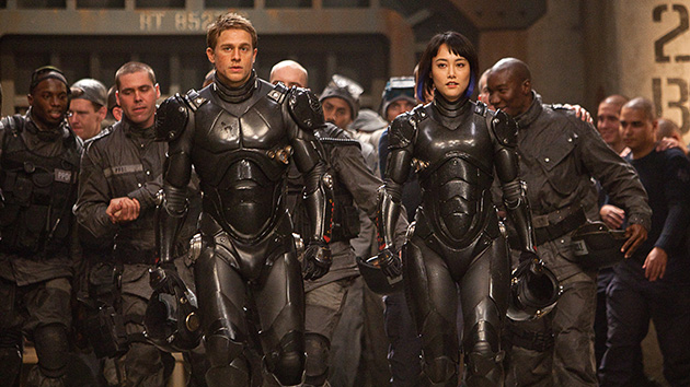 Charlie Hunnam and Rinko Kikuchi in 'Pacific Rim' (Photo: Warner Bros. Pictures)
