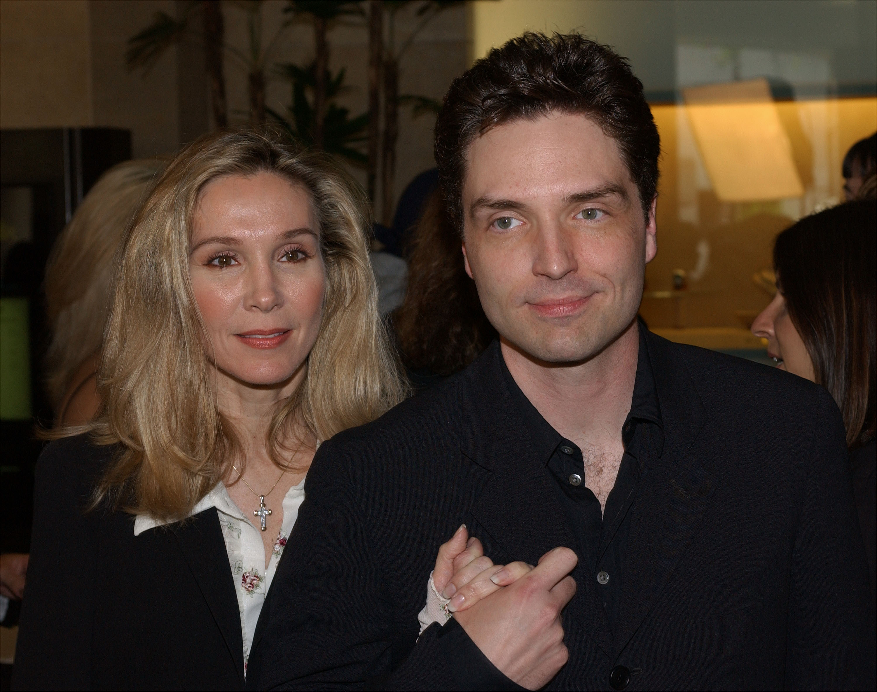 Cynthia Rhodes, left, and Richard Marx in 2002 (Photo: Vince Bucci/Getty Images)