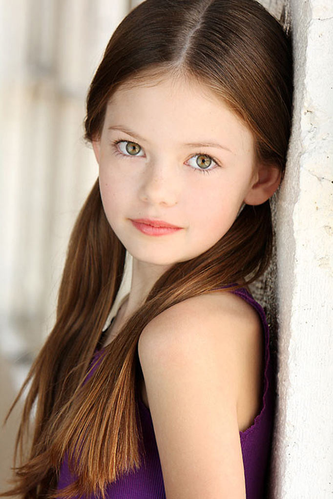Is Mackenzie Foy the voice for the little prince?