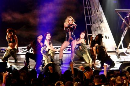 Watch 'Britney Spears' 'Perform' 'Femme Fatale' 'Live'