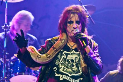 Alice Cooper, Rock's Cal Ripken Jr., Cancels His First Gig in 30 Years
