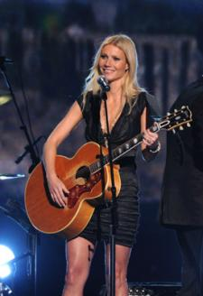 Musical Performances at the Oscars Are Back: More Paltrow For Everyone!