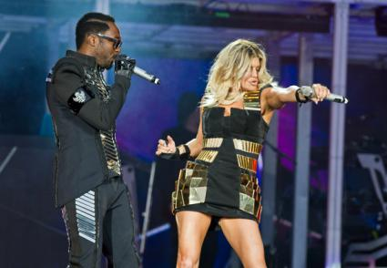 Black Eyed Peas Hop Off Titanic That Is the Michael Forever Tribute Concert