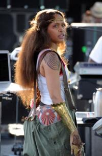 Erykah Badu Prematurely Kills Motown