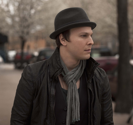 Watch: Gavin Degraw Talks Touring, Recording And Performs His Latest Single