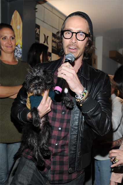 Incubus Frontman Brandon Boyd Teams Up With Hurley For A Cause