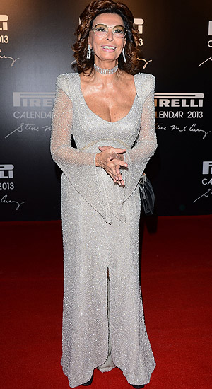 Sophia Loren turned heads on the red carpet on Tuesday at age 78. (Getty Images)