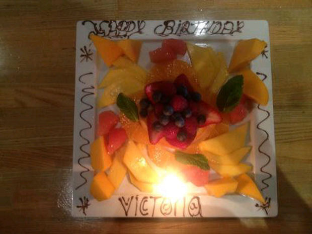 Birthday fruit plate. (Twitter/VictoriaBeckham)