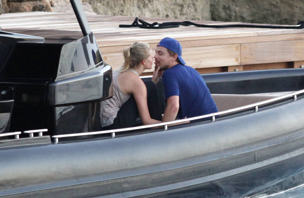 Leonardo DiCaprio gets flirty with girlfriend Toni Garrn (Splash News)