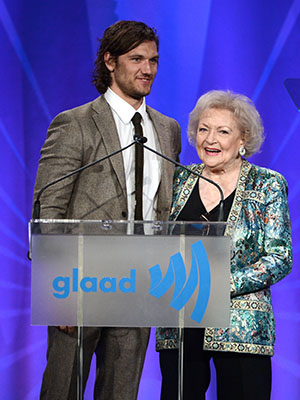 Alex Pettyfer and Betty White (Jason Merritt/Getty Images)