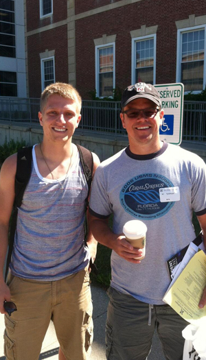 Matt Damon happily took a photo with student Cory Foland. (Twitter)