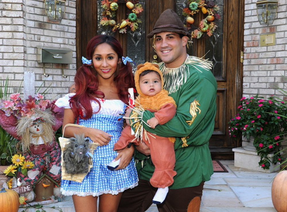 Snooki, fiance Jionni LaValle, and 14-month-old son Lorenzo (Getty Images)