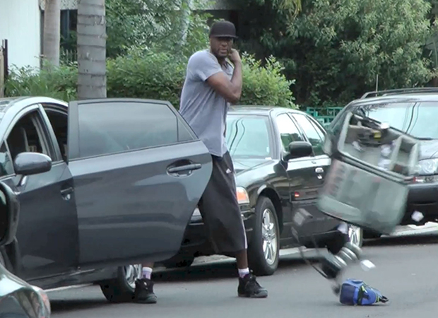 Lamar Odom clashes with the paps (Splash News)