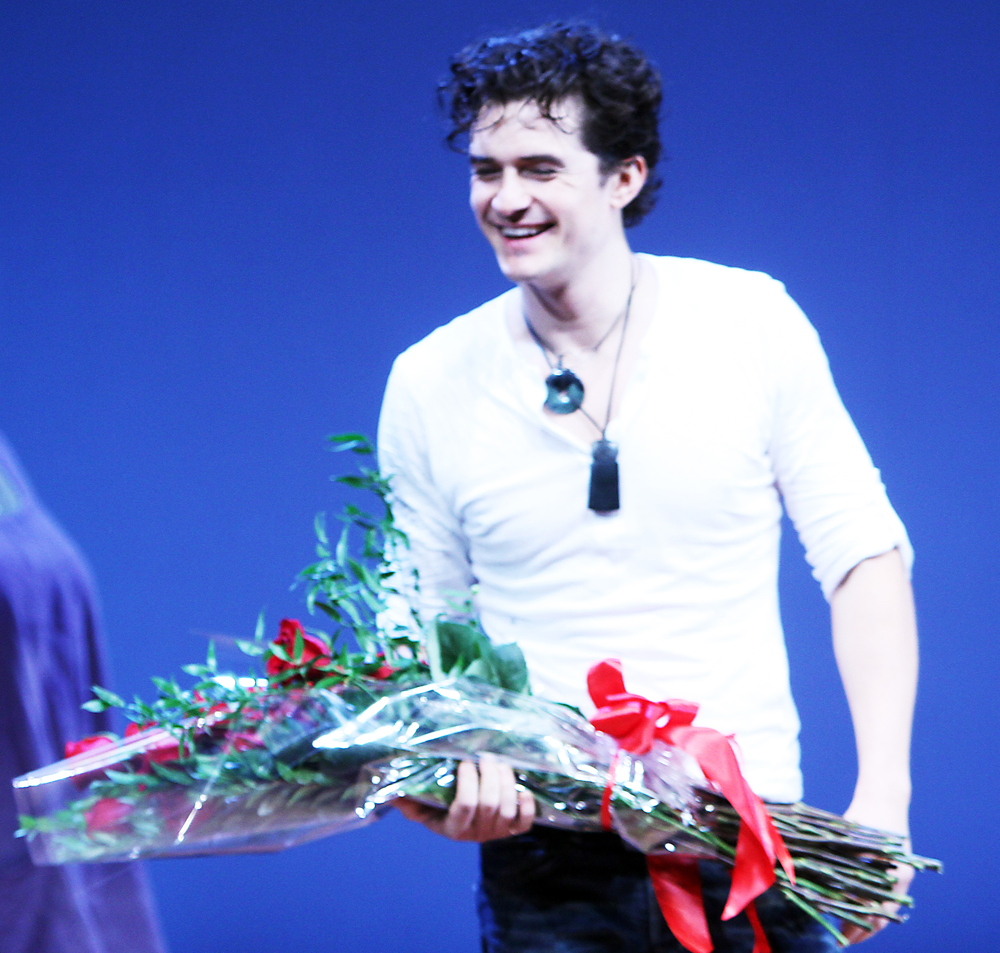 Orlando Bloom taking a bow for 'Romeo and Juliet.' (INFDaily.com)