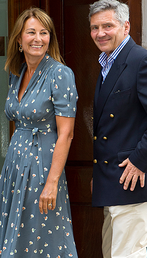 Carole and Michael Middleton visit their new grandson at the hospital (Getty Images)