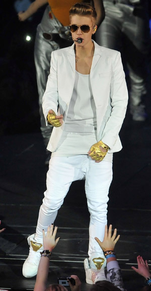 Justin Bieber, in his signature droopy pants, on March 4 (Getty Images)
