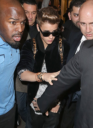 Justin Bieber on Friday night (Splash News)