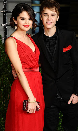 Selena and Justin at the Vanity Fair party in 2011 (Michael Buckner/WireImage)