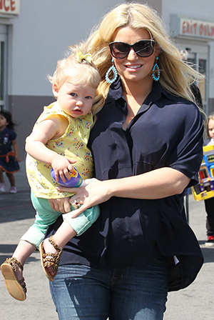 Jessica Simpson brought her daughter, Maxwell, to her baby shower. (Splash News)