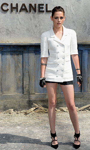 Kristen Stewart poses at Chanel show in Paris (Getty Images)