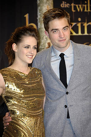 Kristen Stewart and Robert Pattinson (Luca Teuchmann/WireImage)