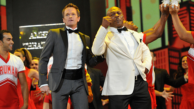Neil Patrick Harris and Mike Tyson perform at the Tonys (Getty Images)