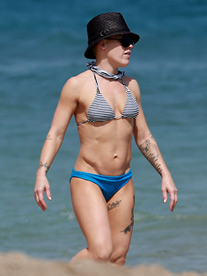 Pink shows off her bikini bod in Miami. (MiamiPIXX/SBMF/FameFlynet)