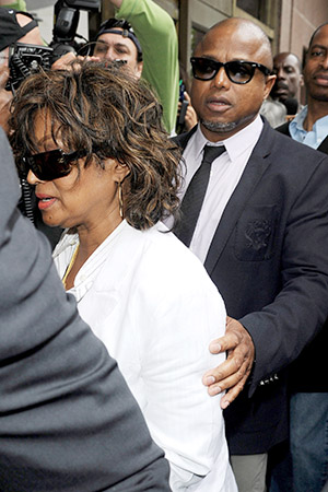 Rebbie and Randy Jackson head into court Monday. (Daniel Robertson/StartraksPhoto.com)