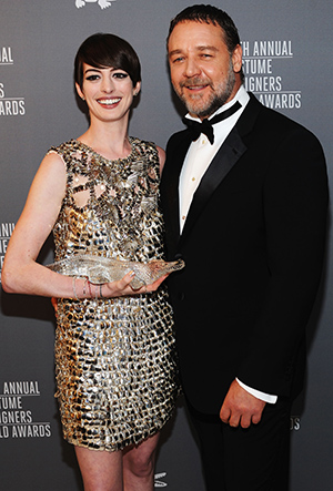 Anne Hathaway and Russell Crowe (Getty Images)