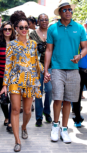 The couple toured Havana on April 4. (Ramon Espinosa/AP Photo)
