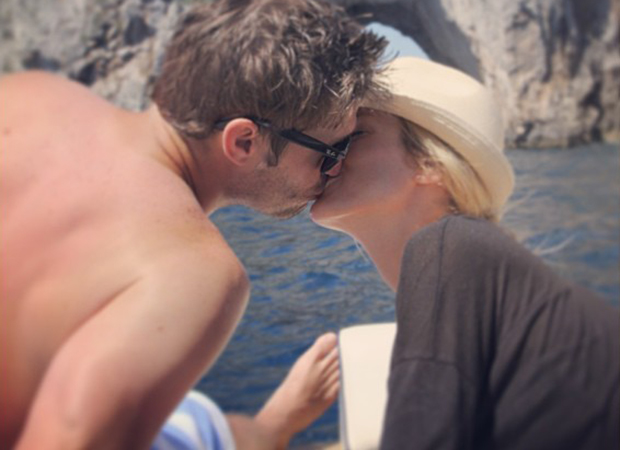 Honeymooners Jay Cutler and Kristin Cavallari (Twitter)