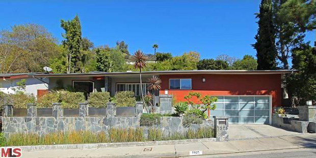 The actor's new mid-century home. (Photo courtesy of Redfin)