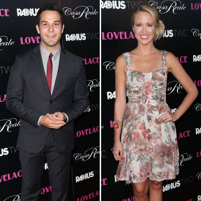 Skylar Astin and Anna Camp arrive together, but pose separately at 'Lovelace' premiere (Getty Images)