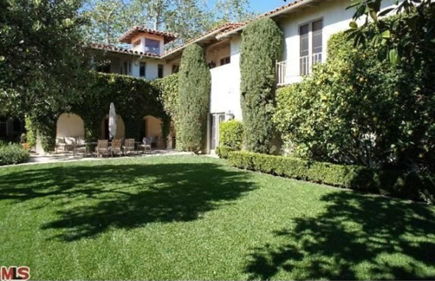 Tom Hanks and Rita Wilson's house is for sale (Photo courtesy of Zillow)