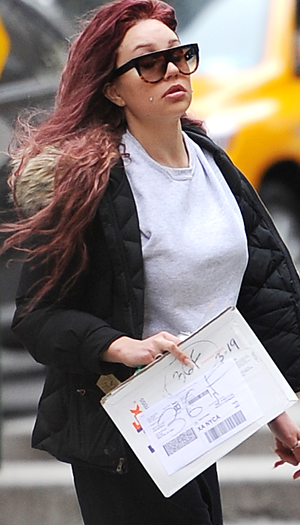 Amanda Bynes on Monday. (Splash News)