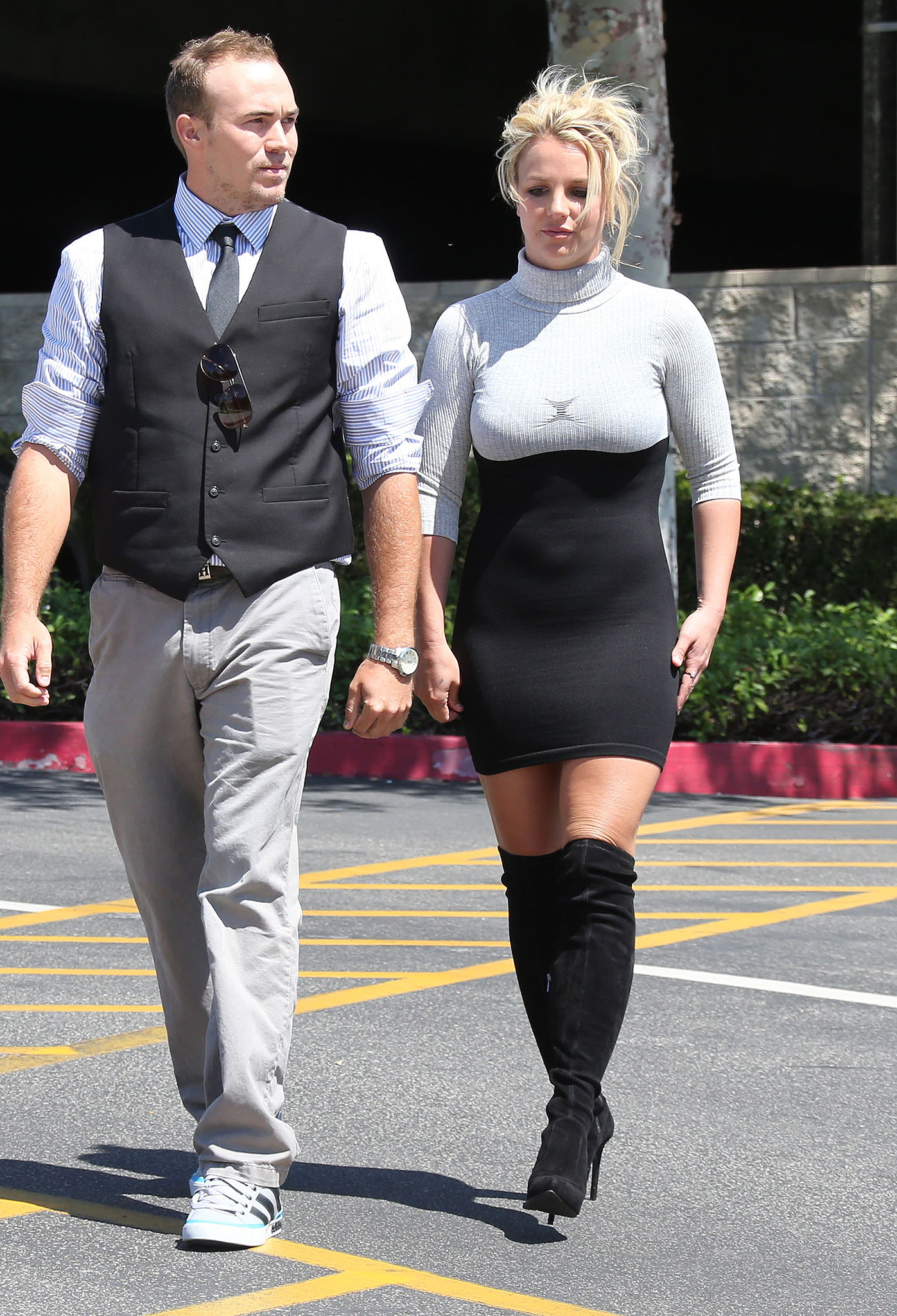 Britney Spears heads to church with her boyfriend. (Splash News)