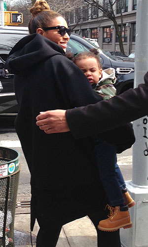Beyonce and Blue. (Splash News/RichGirlOnABudget.com)