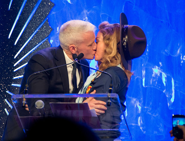 Anderson Cooper and Madonna kiss. (Michael Stewart/WireImage)