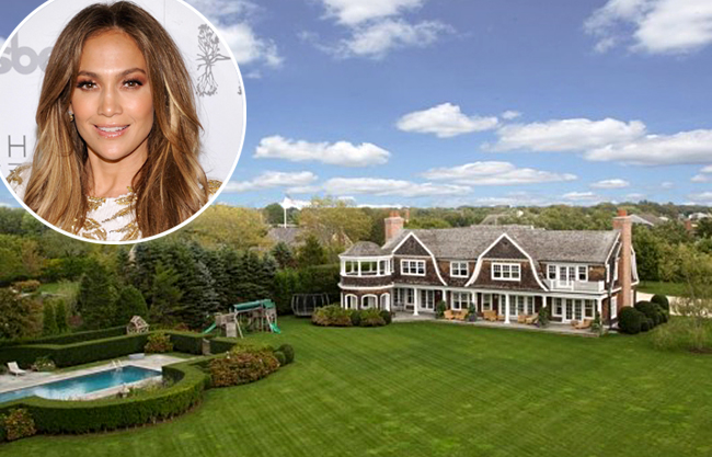 Jennifer Lopez's Water Mill, NY, home (Zillow.com/Getty Images)