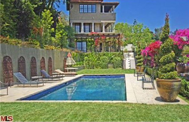 Mischa Barton is attempting to rent out her Beverly Hills home for $35K a month. (Zillow)
