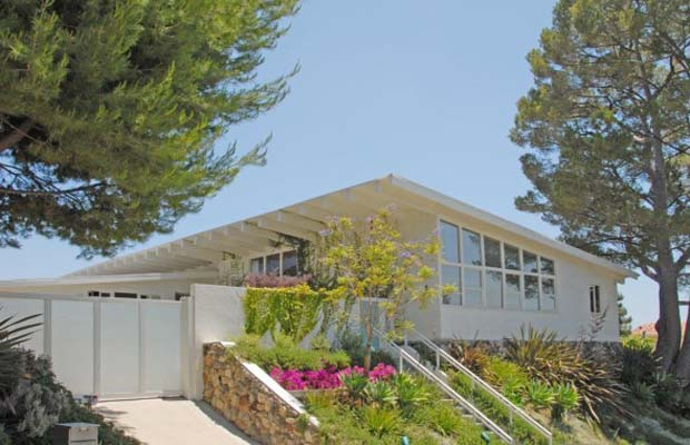 The mid-century home is for sale for $2.595 million. (Zillow)