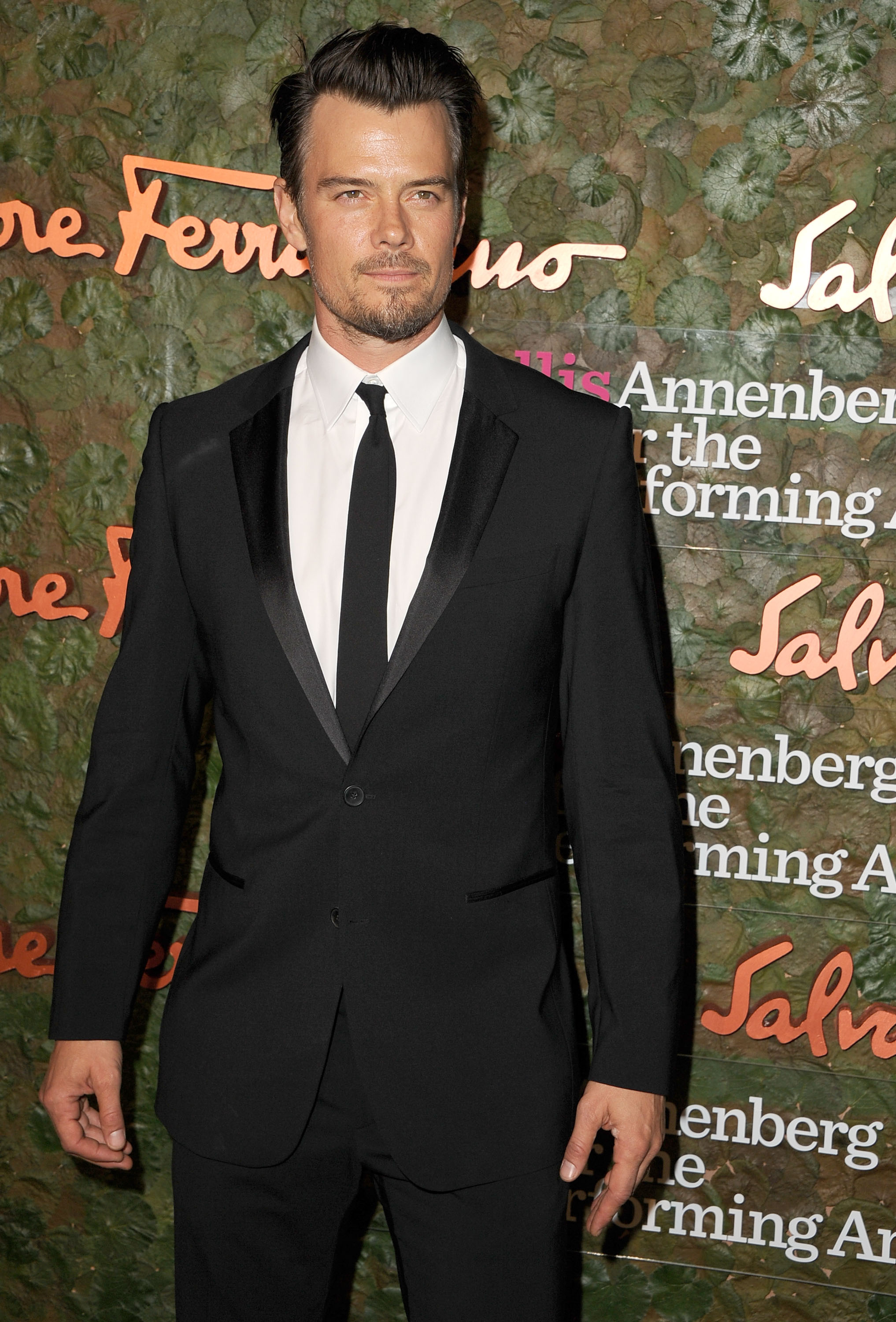 Sleepless looks good on Josh Duhamel (WireImage)