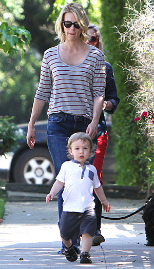 January Jones and son Xander (Splash News)