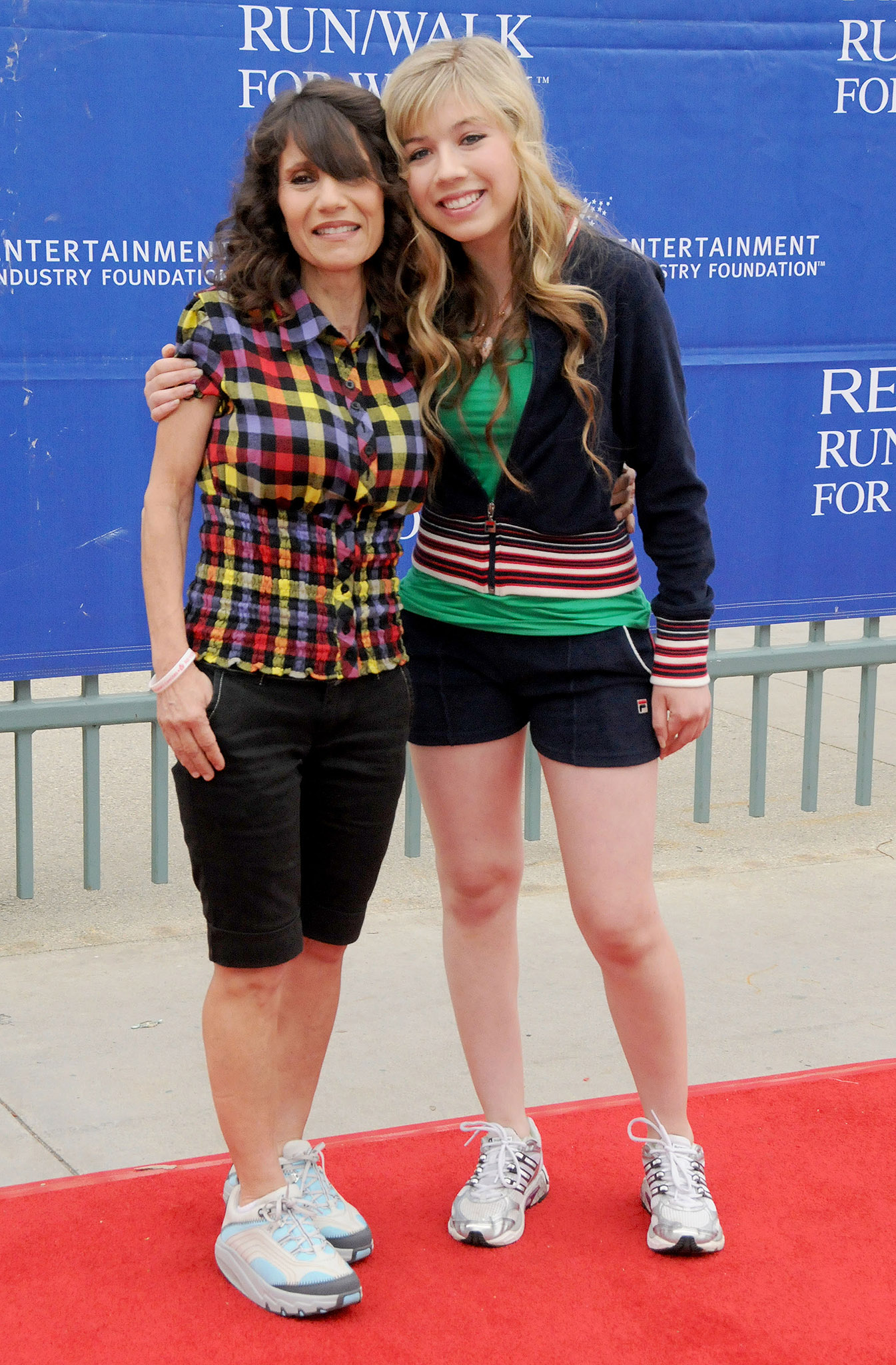 Debra and Jennette McCurdy (Gregg Deguire/Getty Images)